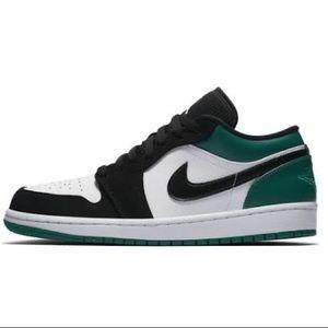 Nike Air Jordan 1 low green